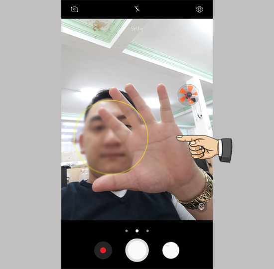 Chụp ảnh bằng lòng bàn tay trên điện thoại Samsung 4