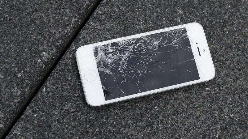 6 sai lầm gián tiếp giết chết iPhone mà nhiều người không biết 6